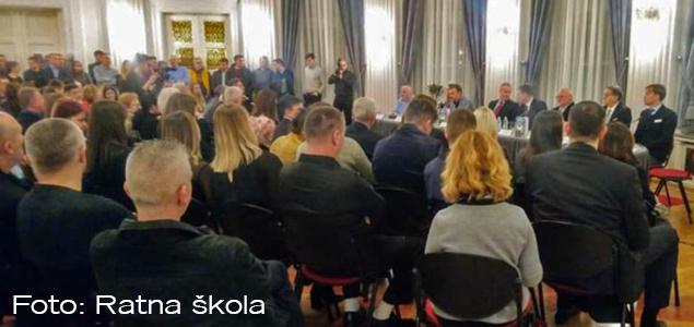 """Ratna škola sudjelovala na promociji knjige """"Sport i nacionalna sigurnost"""""""
